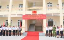 Quận Hồng Bàng: Gắn biển 3 công trình giáo dục chào mừng Đại hội Đảng bộ quận lần thứ 23