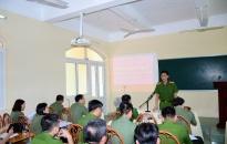 CAH Cát Hải: Trao quyết định thăng cấp bậc hàm, nâng lương cho cán bộ chiến sĩ