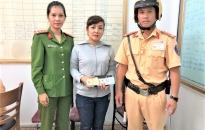 Đội Cảnh sát giao thông - trật tự Công an quận Hồng Bàng: Nhặt được tài sản trả người đánh rơi