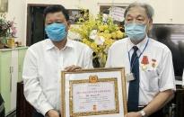 Quận ủy Lê Chân:  Trao tặng Huy hiệu Đảng đợt 2-9 tới 245 Đảng viên