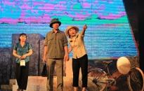 """Đoàn Kịch nói Hải Phòng: Biểu diễn vở kịch """"Phong tỏa"""" chào mừng Đại hội Đảng bộ thành phố lần thứ 16"""