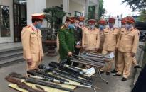 CATP khen thưởng 3 đơn vị vận động thu hồi và bắt giữ nhiều vụ tàng trữ pháo, vũ khí, vật liệu nổ