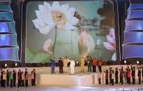 """Độc đáo chương trình nghệ thuật """"Cát Bà Xanh"""": Âm vang 60 năm-Cát Bà đón Bác về thăm"""