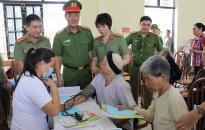 CAQ Đồ Sơn: Khám, cấp phát thuốc miễn phí gần 200 người cao tuổi