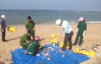 'Bạch Long Vỹ-đảo quê hương': Tập huấn và giám sát rác thải nhựa vùng triều ven biển
