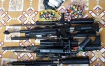 CAH Kiến Thụy: vận động, thu hồi 14 súng và nhiều dao kiếm các loại