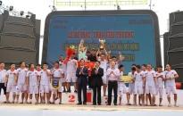 Giải đua thuyền Rồng huyện Cát Hải mở rộng: Đội Thủy Nguyên giành chức vô địch