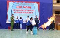 Tập huấn kĩ năng PCCC cho 720 em học sinh Trường THPT Nguyễn Huệ (Kiến Thụy)