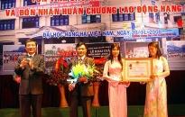 Trường THPT Hàng Hải nhận huân chương Lao động hạng ba