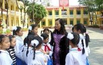 Trường tiểu học Chu Văn An nhận huân chương Lao động hạng nhì