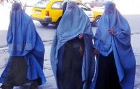 """Phụ nữ Afghanistan bị bỏ đói nếu không """"chiều chồng"""""""