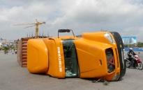 Kỳ 1: Xe container - hung thần xa lộ