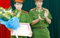 Khen thưởng học viên có thành tích xuất sắc