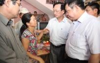 Lãnh đạo thành phố thăm hỏi gia đình các nạn nhân vụ hỏa hoạn