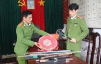 Công an phường Anh Dũng ra quân thu giữ hơn 64kg pháo