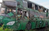 Lật xe khách Mai Linh, 20 người thoát chết