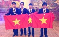 Em Lê Đức Việt - học sinh lớp 12 Trường THPT chuyên Trần Phú, Hải Phòng giành giải bạc