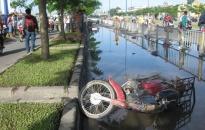 Tránh vũng nước, một thiếu niên chết tại chỗ