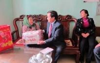 Phó chủ tịch UBND thành phố Đỗ Trung Thoại: Thăm, tặng quà gia đình chính sách, hộ nghèo huyện An Dương