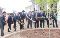 Chủ tịch Dương Anh Điền phát động Tết trồng cây tại huyện Kiến Thụy