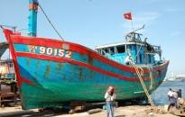 Huyện đảo Hoàng Sa mua lại con tàu bị tàu Trung Quốc đâm chìm