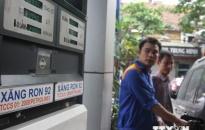 Giá xăng giảm tiếp về ngưỡng hơn 23.700 đồng mỗi lít