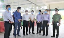 Phó Chủ tịch UBND thành phố Nguyễn Văn Thành kiểm tra các doanh nghiệp mùa dịch Covid-19