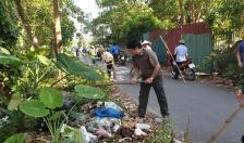 Thị trấn Vĩnh Bảo: Ra quân làm sạch kênh Chanh Dương
