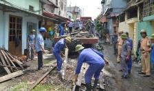 Ra quân dọn rác đường tàu