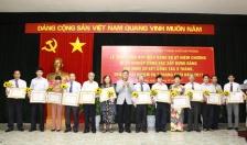 Đảng ủy khối doanh nghiệp thành phố:  Trao huy hiệu Đảng cho 16 đảng viên