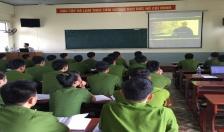 Bế giảng lớp đào tạo liên thông lên Đại học
