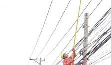 Diễn đàn an ninh: Thả diều và nỗi lo mất an toàn lưới điện
