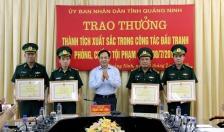 Khen thưởng đơn vị bắt giữ gần 1 tạ thuốc nổ ở Hạ Long