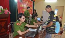 Phòng PC64-CATP: Cấp CCCD lưu động miễn phí cho nhân dân xã Việt Hải (Cát Hải)