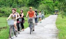 Khách du lịch Ứng xử văn minh với môi trường