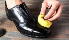 Xử lý giày khi dính nước mưa