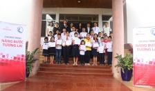 Cty TNHH Bảo hiểm nhân thọ Rrudential Việt Nam: Trao 20 suất học bổng tặng học sinh có hoàn cảnh khó khăn quận Lê Chân