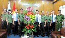 Đại tá Đào Quang Trường - Phó Giám đốc CATP chúc mừng ngày Nhà giáo Việt Nam