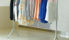 Làm khô quần áo trong tiết trời nồm ẩm