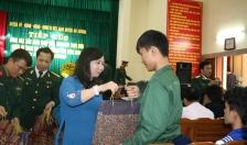 Huyện An Dương Tiếp xúc, tặng quà 255 thanh niên chuẩn bị lên đường nhập ngũ
