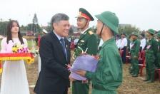 Phó Chủ tịch Thường trực UBND thành phố Nguyễn Xuân Bình dự lễ giao nhận quân năm 2019 tại huyện An Dương
