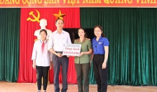 Trao 50 đầu sách tặng trường THCS Đại Thắng, huyện Tiên Lãng