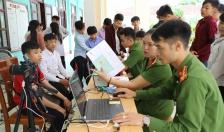 Cấp căn cước lưu động cho học sinh tại huyện Bình Liêu