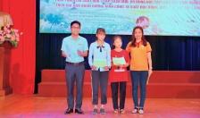 160 suất quà và học bổng trao tặng học sinh nghèo