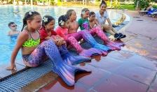 """Hàng ngàn """"Kình ngư nhí"""" được trang bị kỹ năng chống đuối nước tại lớp học bơi 5 sao miễn phí của Vinpearl"""