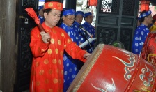 Lễ hội chọi trâu truyền thống Đồ Sơn năm 2019:  Trang trọng lễ dâng hương, thượng cờ