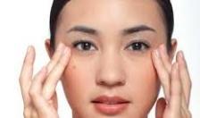 Cách dùng kem dưỡng mắt