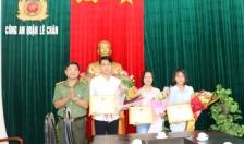 Tặng giấy khen 3 sinh viên trường Đại học Y dược Hải Phòng không tham của rơi