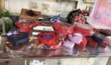 Thị trường quà tặng Ngày Valentine: Trầm lắng tại kênh bán hàng truyền thống