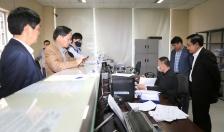 Phó Chủ tịch UBND thành phố Nguyễn Văn Thành kiểm tra việc tổ chức thu phí cảng biển